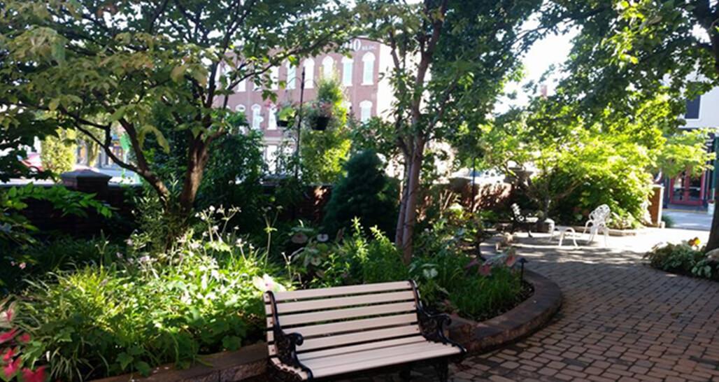 Glossbrenner Garden